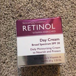 Other - Skincare Cosmetics Retinol Day Cream NEW